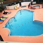 beautiful sparkling pool, jacuzzi,kids pool