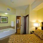 Tamarack Room With Soaker