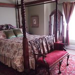 Queen Anne Hill Room