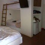 Comoda habitación para cuatro personas