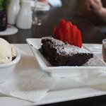 the delicious brownie dessert