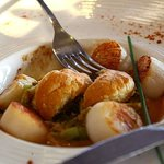 Well cooked and ample scallops starter.