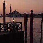 大運河の夜明け