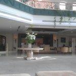 Entrada y recepcion del hotel