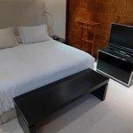 Une chambre confortable, au design sobre et élégant