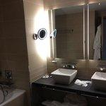 Tony Adams suite bathroom