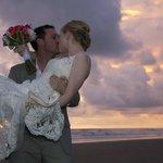 Enjoy your destination wedding on the beach in Costa Rica!