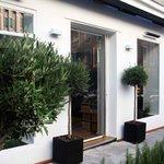L'Atelier du Port Angle rue Bavastro et rue Bonaparte à Nice