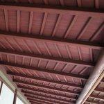つくしの縁の天井。意匠がモダンです。