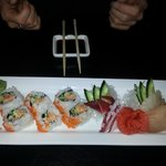 Spicy tuna + cali roll