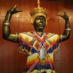 Statue depicts Nora folk dancing, a distinctive southern Thailand style.