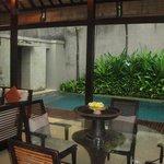 Presidental Villa Pool and Lounge Area