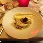 """Filet vom Atlantik-Steinbutt mit """"Foie Gras"""", Portwein-Schalotten, Rahmkohlrabi & Kartoffelpüree"""