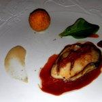 Huître Spéciale Gilardeau Grillée, Pieds et Oreilles de Cochon, Truffe Noire, Champignons,