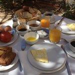 Sehr ausgiebiges und leckeres Frühstück!