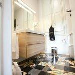 Bathroom of the Gaudi room.