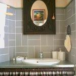 Une des cinq salles de bain