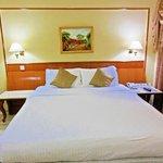 Hotel Raj Park - Kingsize Bed