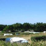Vue des emplacements du camping de l'aber benoît finistère