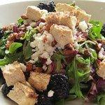 """Farmer's salad with Gardein """"chicken"""""""