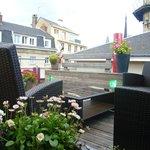 Une terrasse fleurie