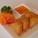 Thai Mangoes Curry Puffs