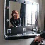 Le miroir de la chambre