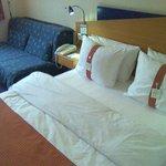 Couch und kleines Doppelbett