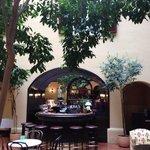 La corte interna del più romantico hotel viennese, il Re d'Ungheria!