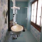 Hab 101.Baño con ventanal