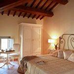 28 camere ampie arredate con elegante semplicità