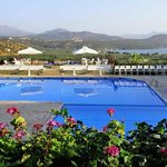 Elpida Hotel & Apartments