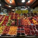 Вкусности с рынка Святой Катерины
