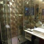 Modern & Chick Bathroom