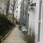 Ingresso e giardino dell'Hotel