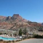 Vue sur piscine et site de Zion