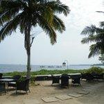 Luilekker genieten met zicht op Lake Vembanad