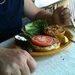 crab cakes sandwich