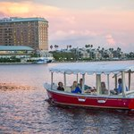 A sunset cruise and a stop for dinner on Harbour Island