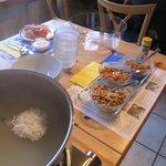 朝食です。お米のスープがありましたよ!