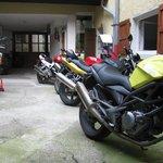 parcheggio moto chiuso