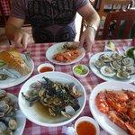 набрали морепродуктов, приготовили в ресторане
