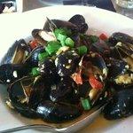 mmm mmm mussels