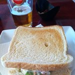 Sandwich vegetal con una cervecita Amstel