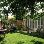 Jardin devant Pavillon