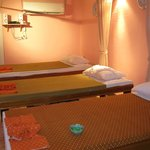 Jane & June Spa Massage Foto