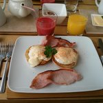 Amazing Eggs Benedict