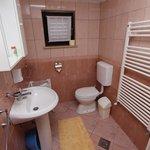 app 14 bathroom
