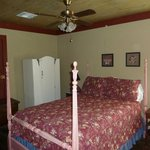 Magenta cottage 2nd bedroom