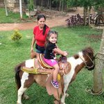Mami con hija de 2 mientras andaba en ATVs